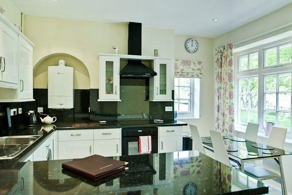 raglan Lodge Kitchen Dining